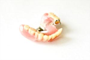 入れ歯が痛い|高松市の吉本歯科医院