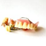 取り外しの義歯(入れ歯)での異物感は慣れられるものなのでしょうか?